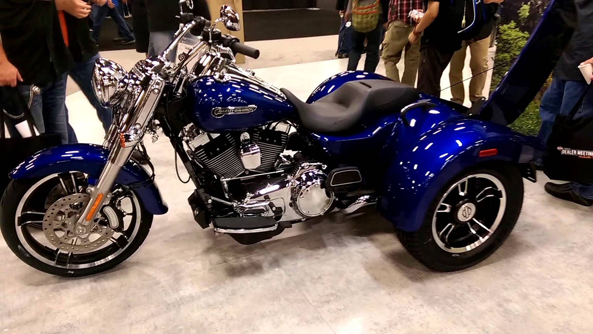 Harley davidson 2015 harley davidson freewheeler electric reverse puts convenient control at your fingertips for confident easy movement for parking