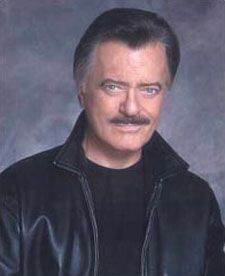 Robert Goulet 1933 - 2007...for some reason my brother was afraid of him....?.....