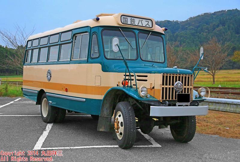 いすみ鉄道の旅の途中に出会った、1968年式いすゞTSD40(改)ボンネットバス/画質を少し改善してみましたヽ(´▽`)/