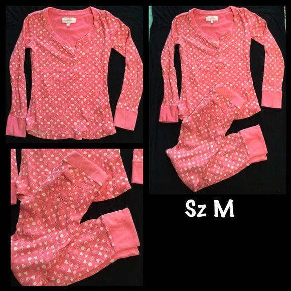 VIctoria s Secret thermal waffle pajama set sz M Pink and white Victoria s  Secret waffle thermal pajama set. This set is fitted so it runs smaller. 2950ebd1b