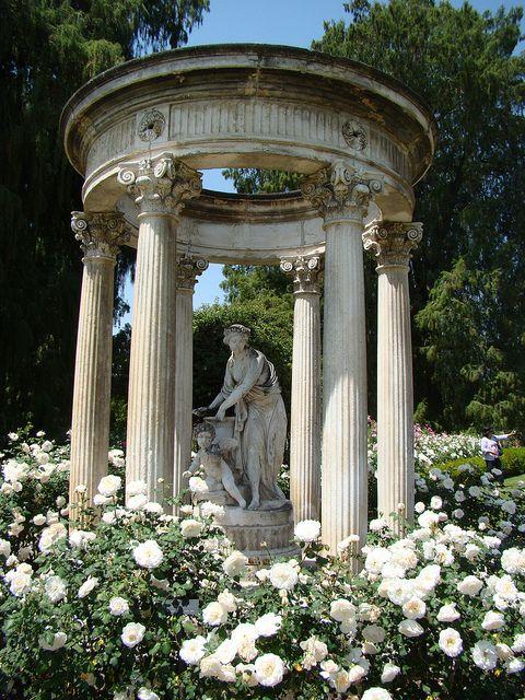 San Marino Patio Furniture: At The Rose Garden At Huntington Library