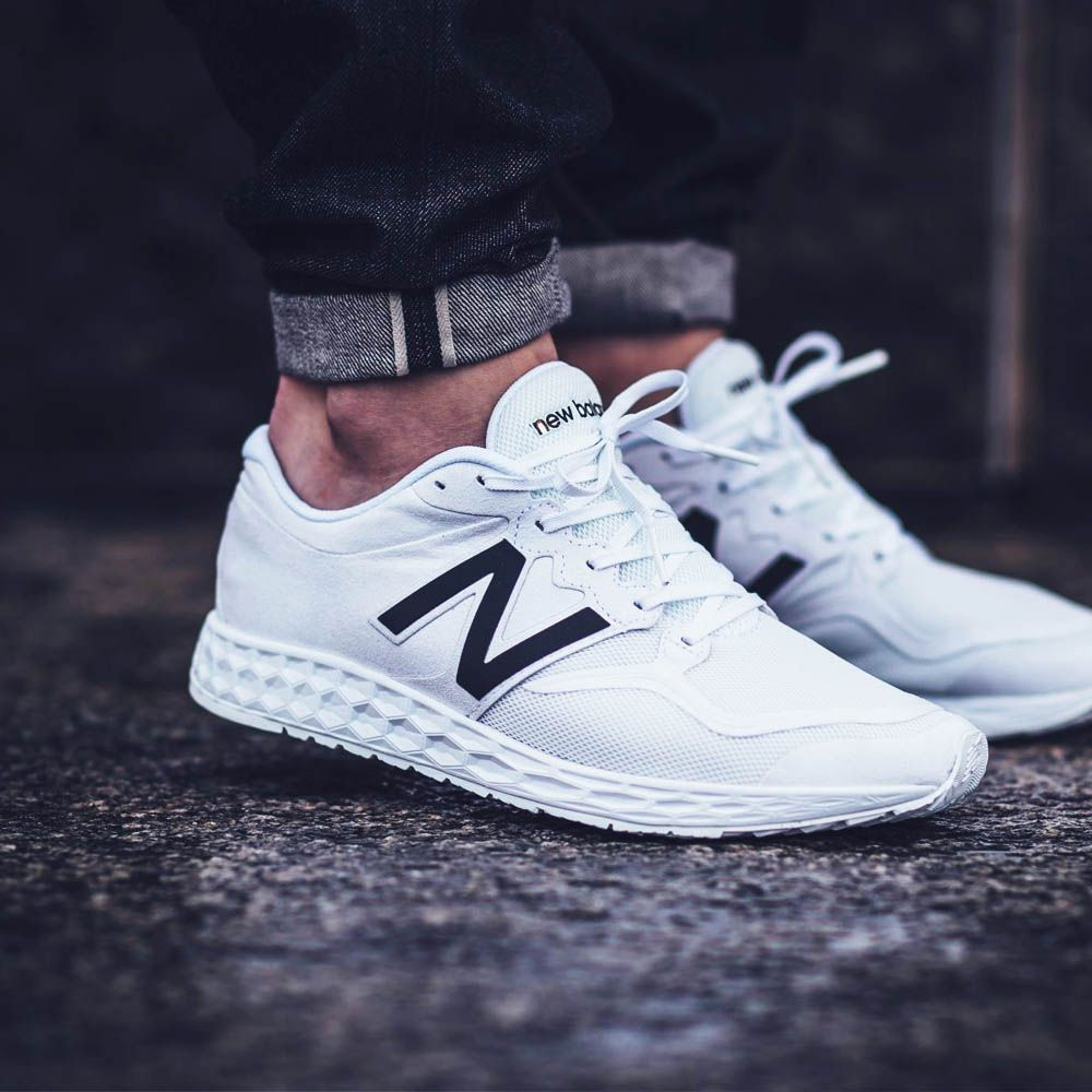 white new balance trainers