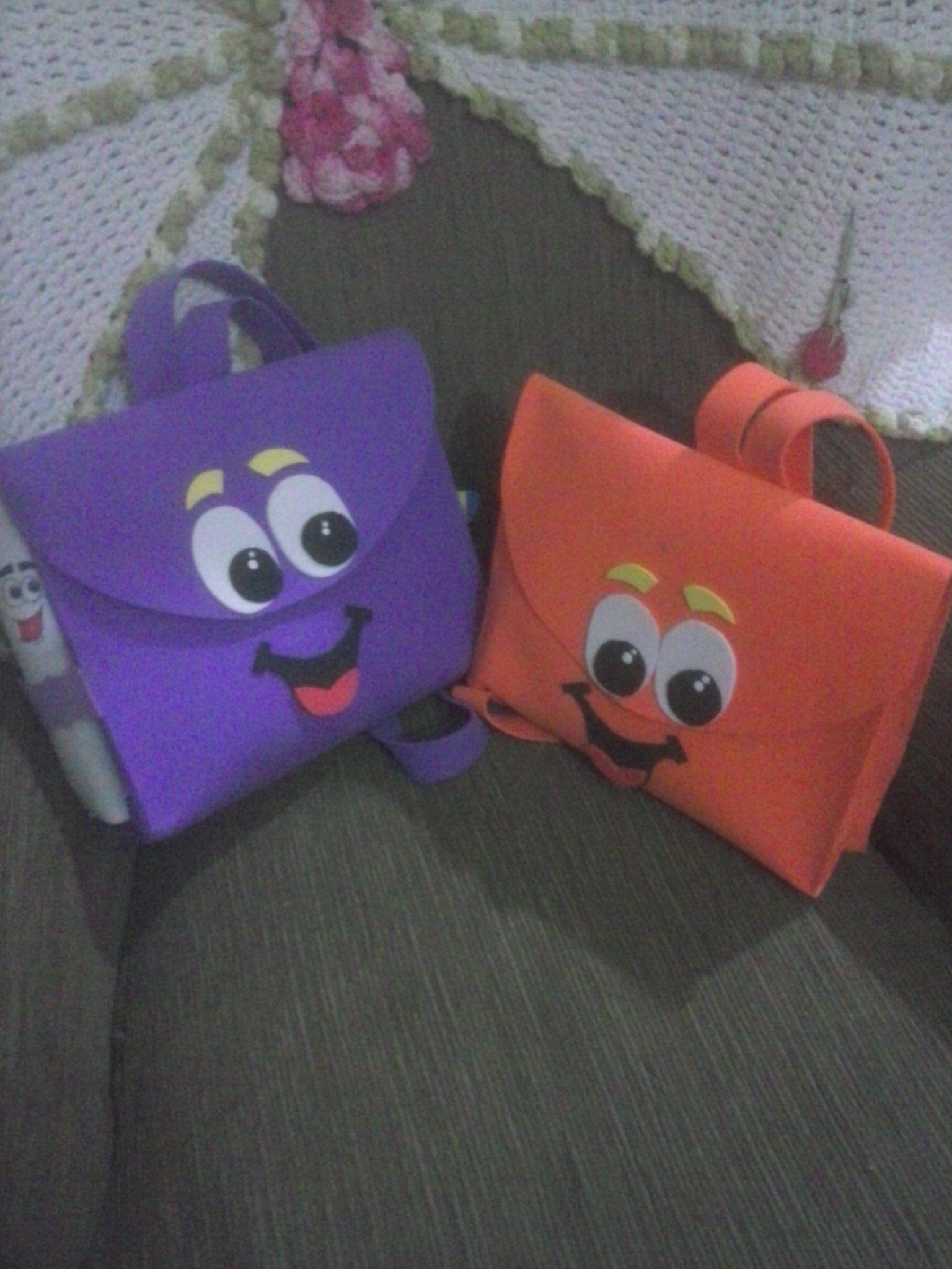 mochilas da Dora e Diego...eva
