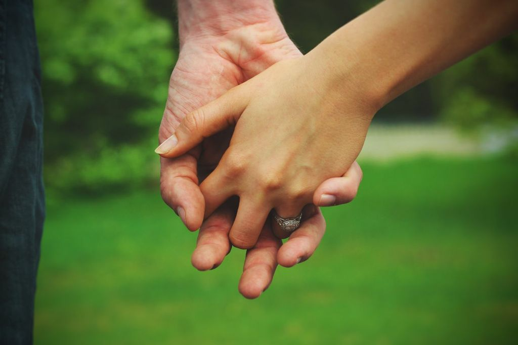 Holding Hands Isnt Just Twi People Touching Fingers Its A Promis To