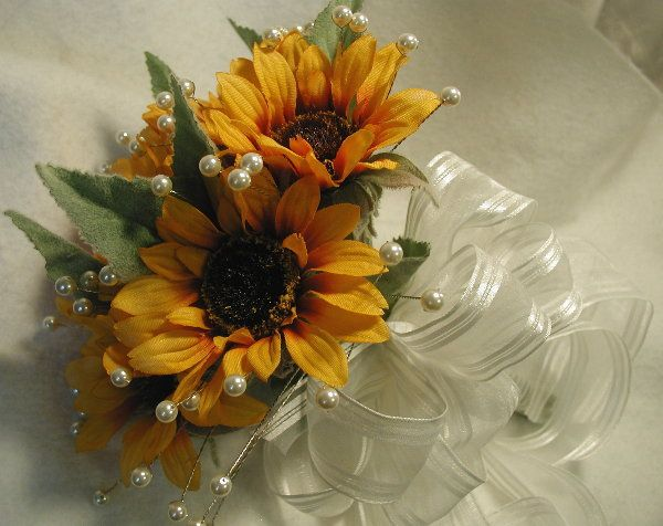 Sunflower Bouquets For Weddings Sunflower Theme Weddings