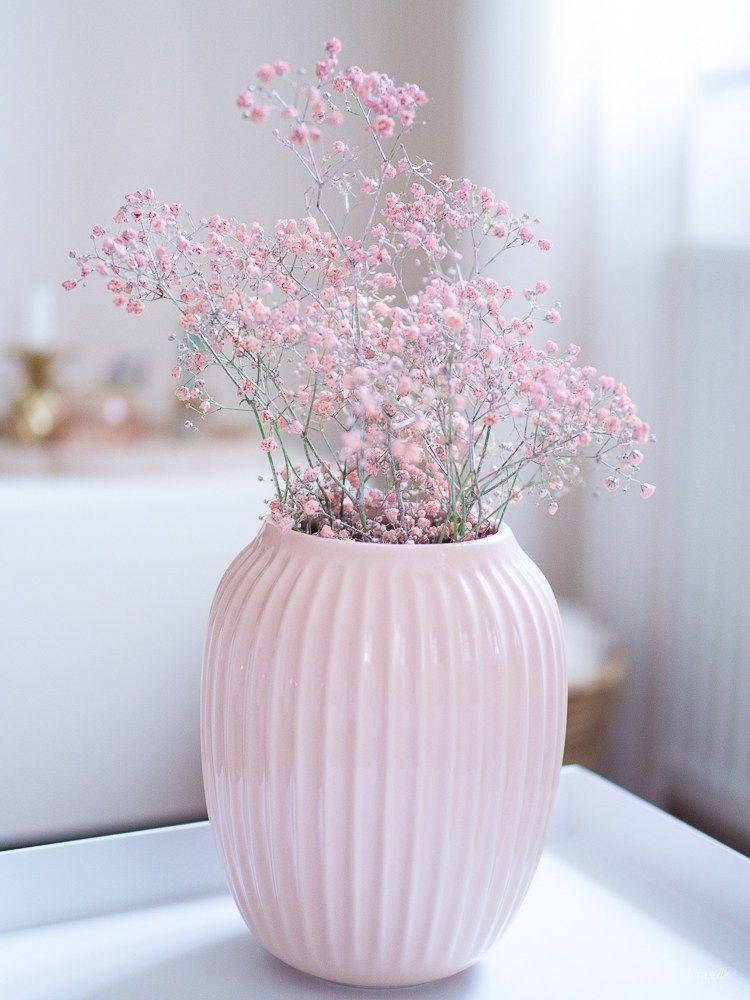 Dekosamstag Dekoration Von Bloomingville In Gold Und Rosa Fruhlings Dekoration Dekoration Dekorative Vasen