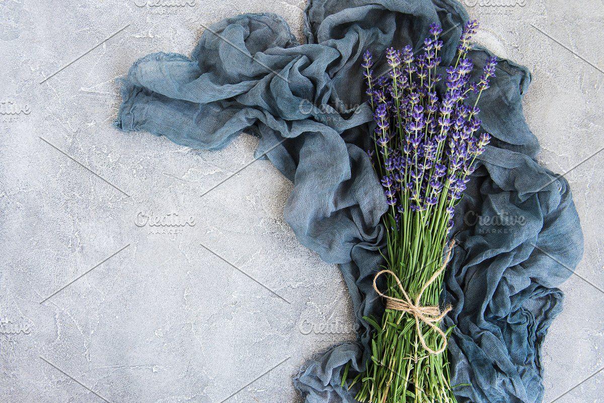 Fresh Lavender Flowers In 2020 Lavender Flowers Flowers Lavender
