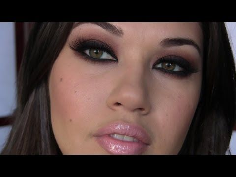 I have to try this Kim K tutorial.