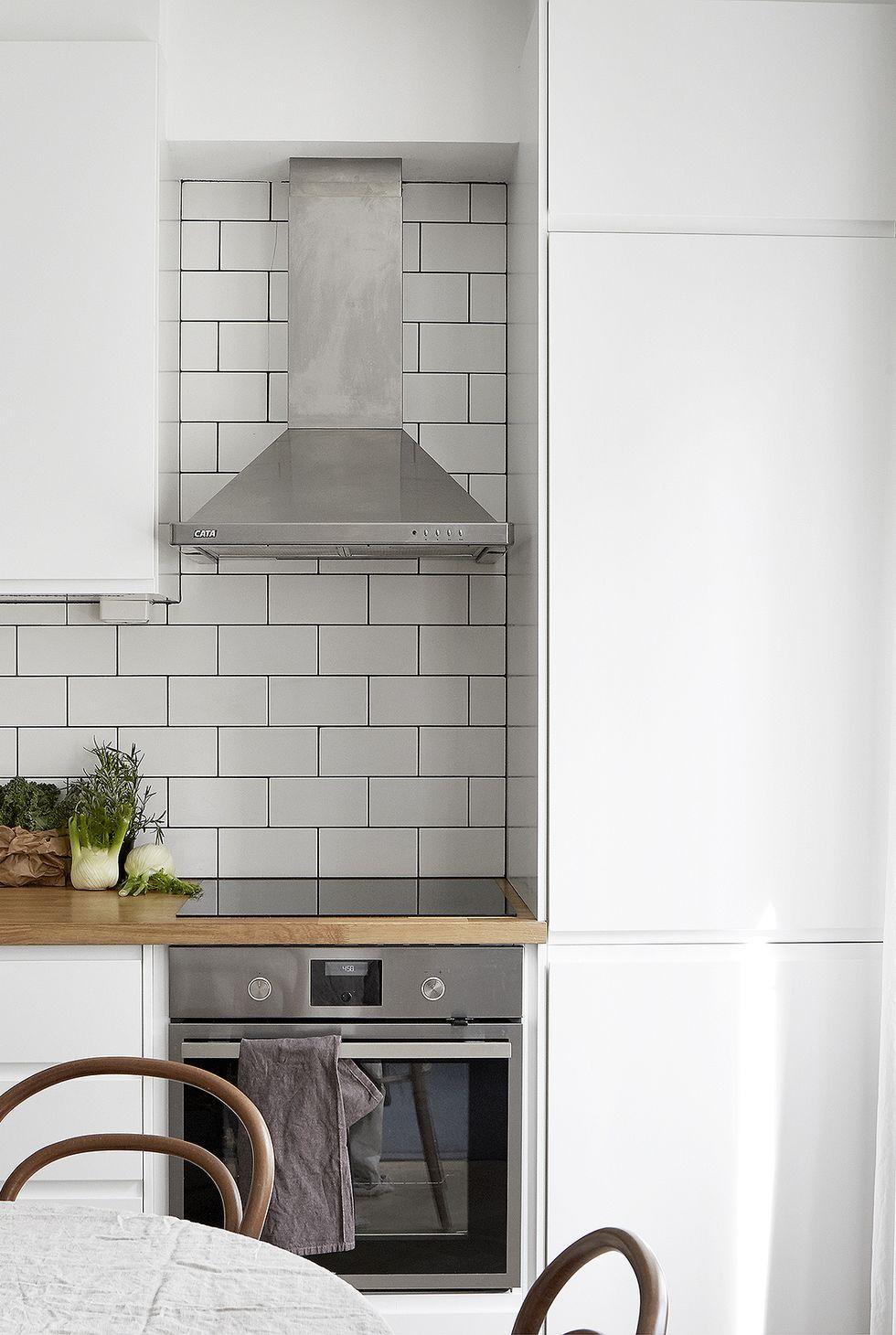 50 Best Small Kitchen Design Ideas Decor Solutions For Small Kitchens Kitchen Design Small Kitchen Remodel Small Kitchen Design Styles