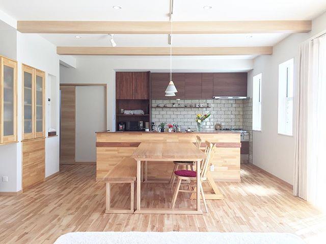 20畳ldkのレイアウト特集 参考にしたいすっきり おしゃれなインテリア Folk リビング 20畳 リビングダイニングキッチン レイアウト リビング キッチン