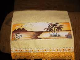 Resultado de imagem para toalhas de banho pintada a mão