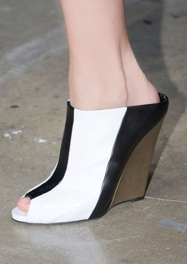 The Spring 2013 Accessories Report - Black and White - Narciso Rodriguez