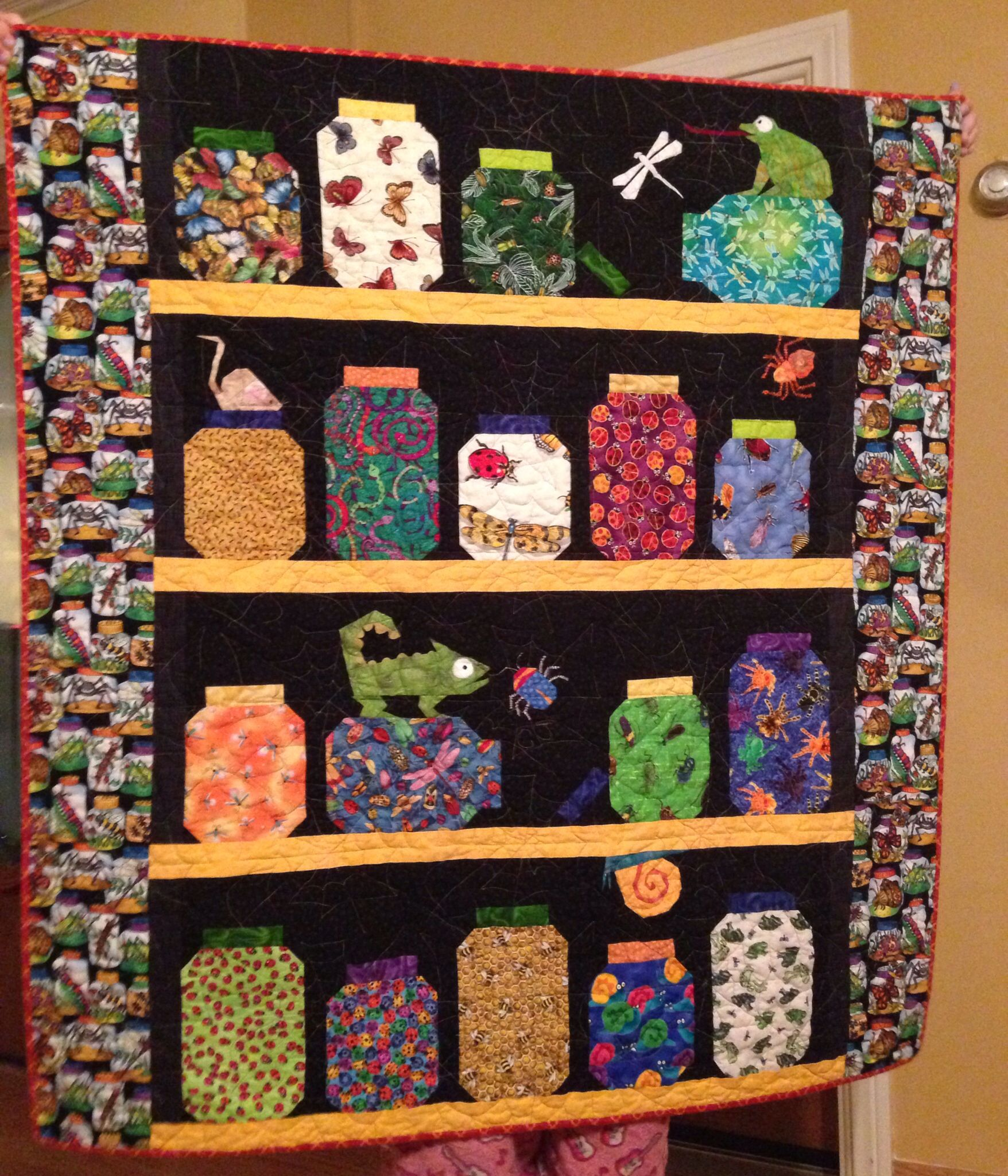 My version of the Escaping the Bug Jar quilt pattern found on ... : bug quilt - Adamdwight.com