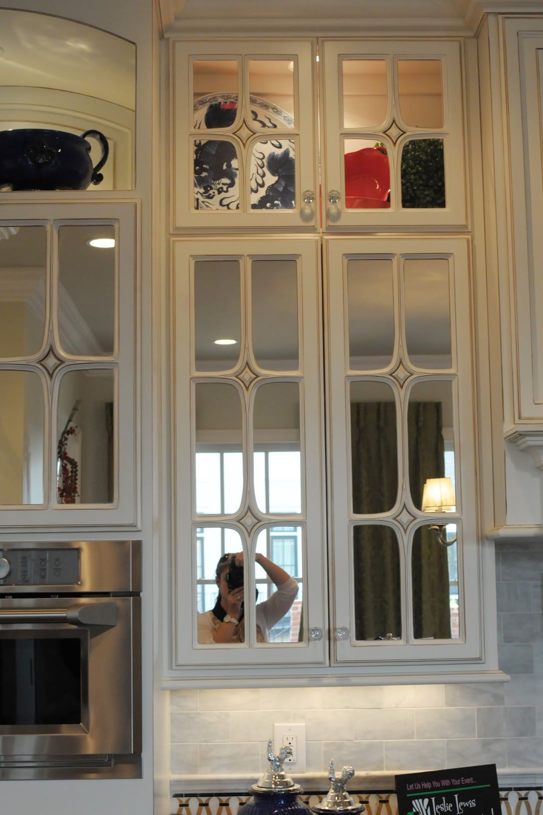 Mirrored Kitchen Cabinet Doors 10 Home Decorating Tips from a Home Show | Mirrored cabidoors