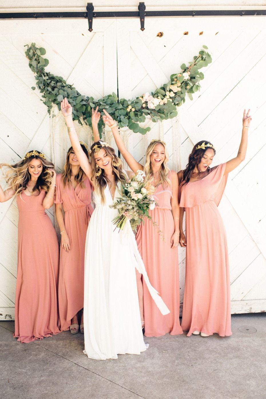 Bridesmaid Etiquette What Not To Do Peach Bridesmaid Dresses Coral Bridesmaid Dresses Summer Bridesmaid Dresses [ 1393 x 930 Pixel ]