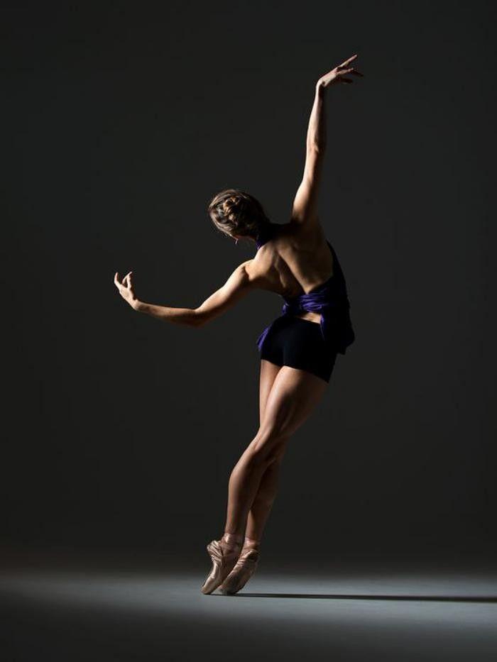 la magie de la danse contemporaine en photos dance pinterest dancing dance photography. Black Bedroom Furniture Sets. Home Design Ideas
