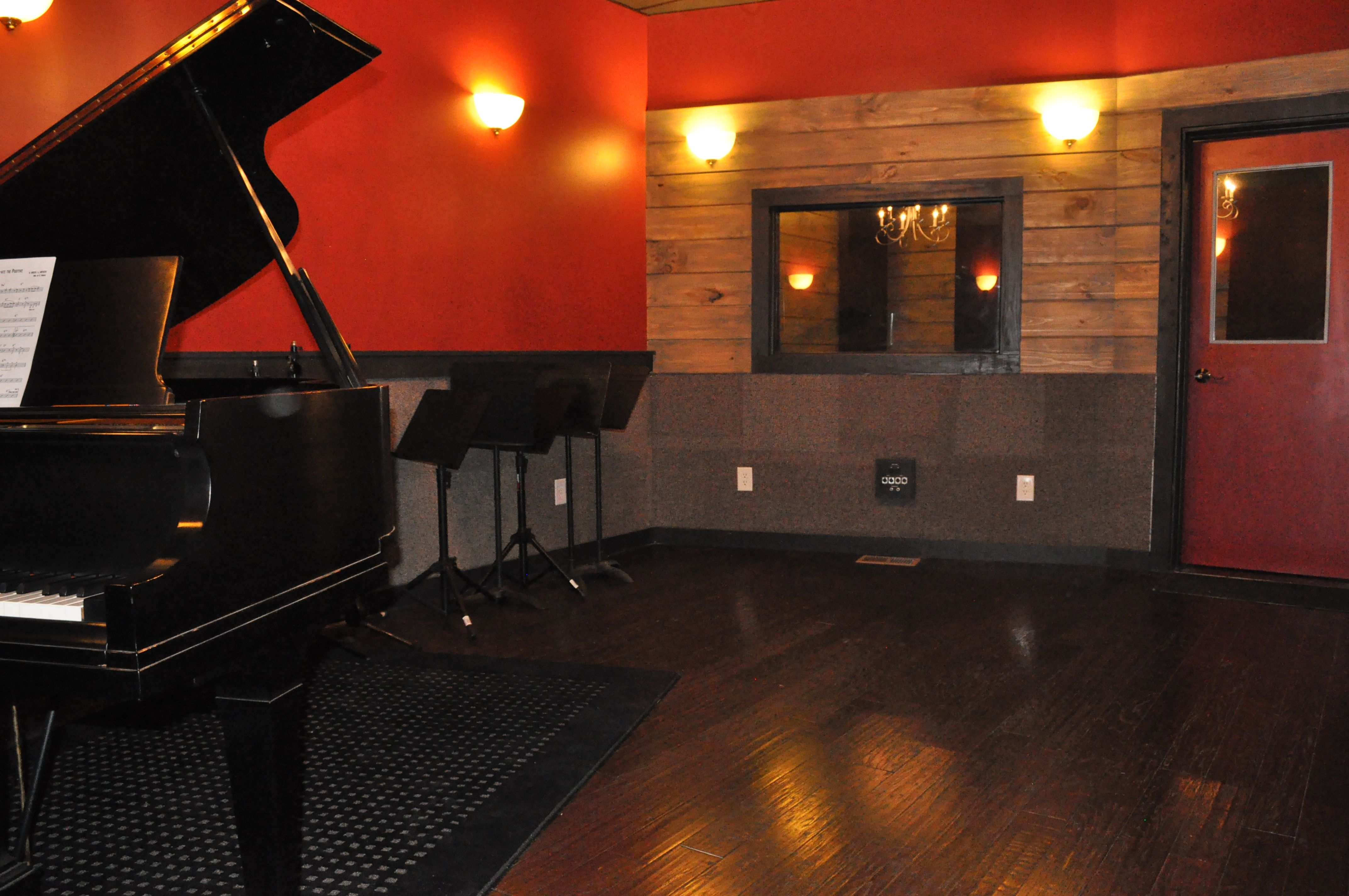 Surprising 17 Best Images About Music Studio On Pinterest Music Rooms Edm Largest Home Design Picture Inspirations Pitcheantrous