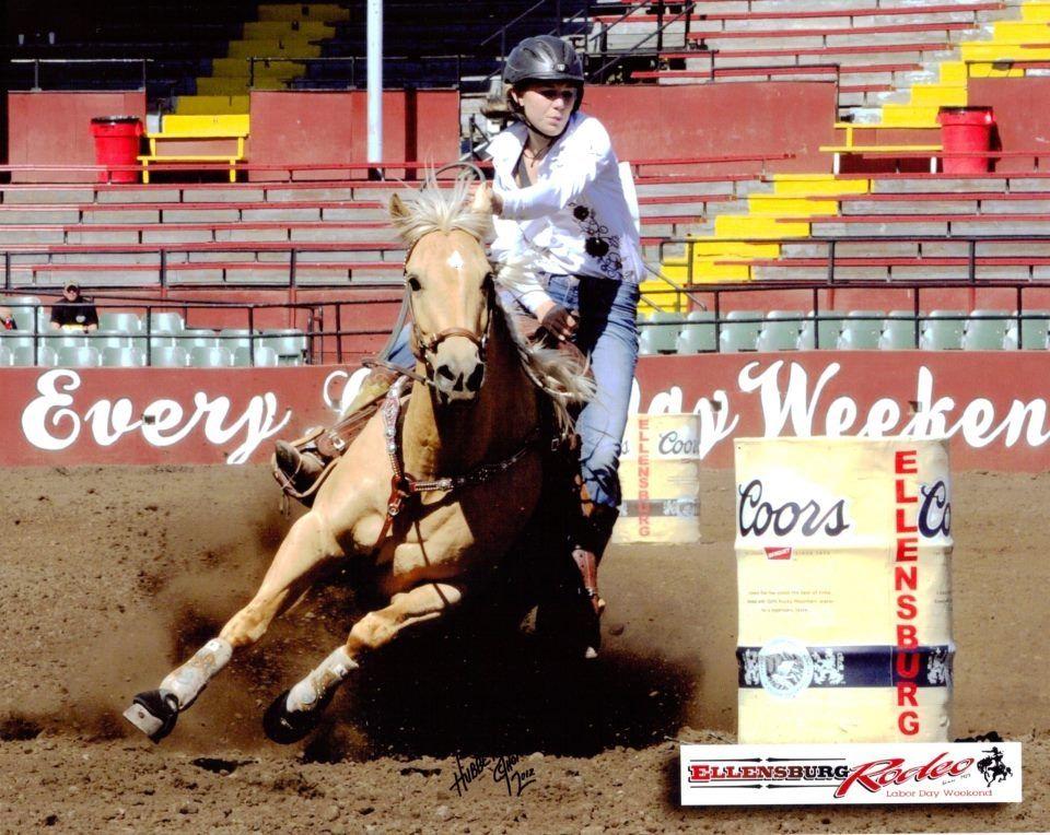 Wpra Barrel Racer Nicole Aichele Talks About Cowboy Christmas Barrel Racer Barrel Racing Tips Horse Trainer