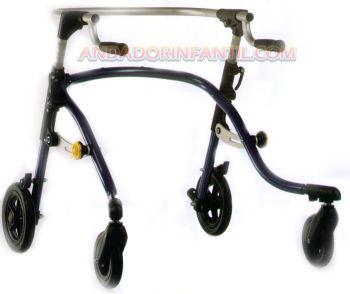 Andador infantil Nurmi Neo. El andador ergonómico posterior Nurmi Neo. es un modelo de andador que se sitúa por detrás del cuerpo y que está abierto en dirección de la marcha. Esto fomenta el erguimiento del cuerpo y los movimientos naturales.