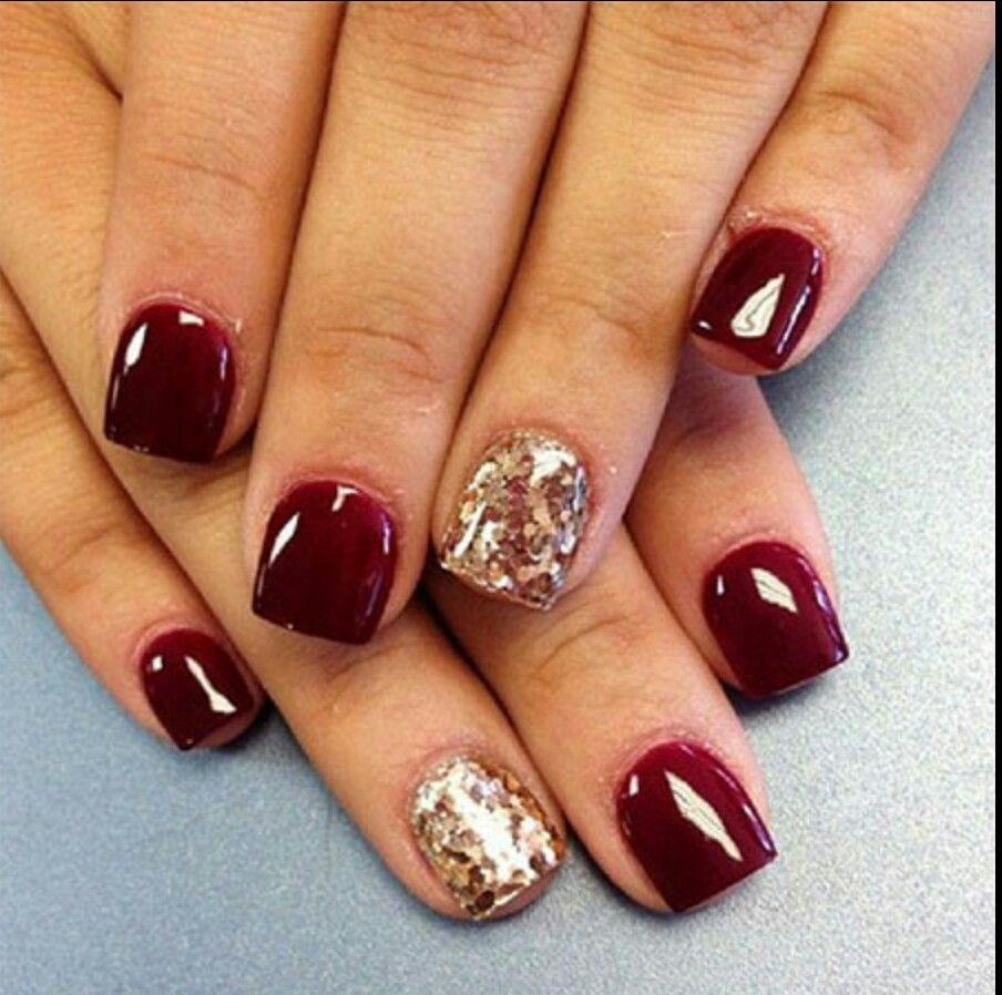 Short nails Burgundy Gold glitter Nails