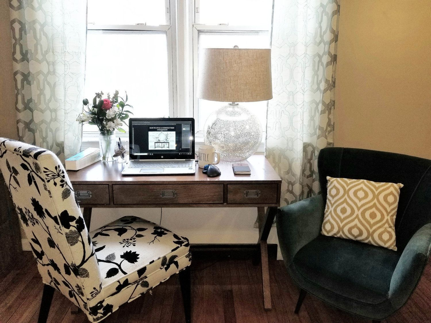 Help Me Accessorize My Living Room Paint Colors For Walls Ideas Home Office Designer Accessorizing Tips How To Style Your Loading