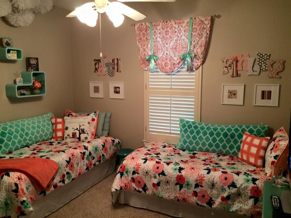 Like this setup for a small bedroom for two pinteres for Bedroom ideas for girls sharing a room