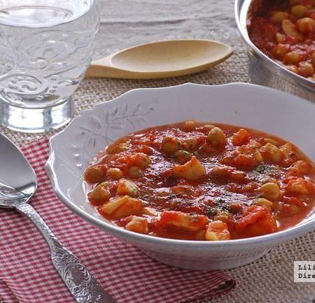 Guiso de pota y garbanzos con tomate. Receta