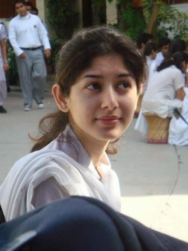 Pin By Kamal Kumar On Indian Beauty In 2019  Pakistani Girl, Pakistani Girls Pic, College Girl