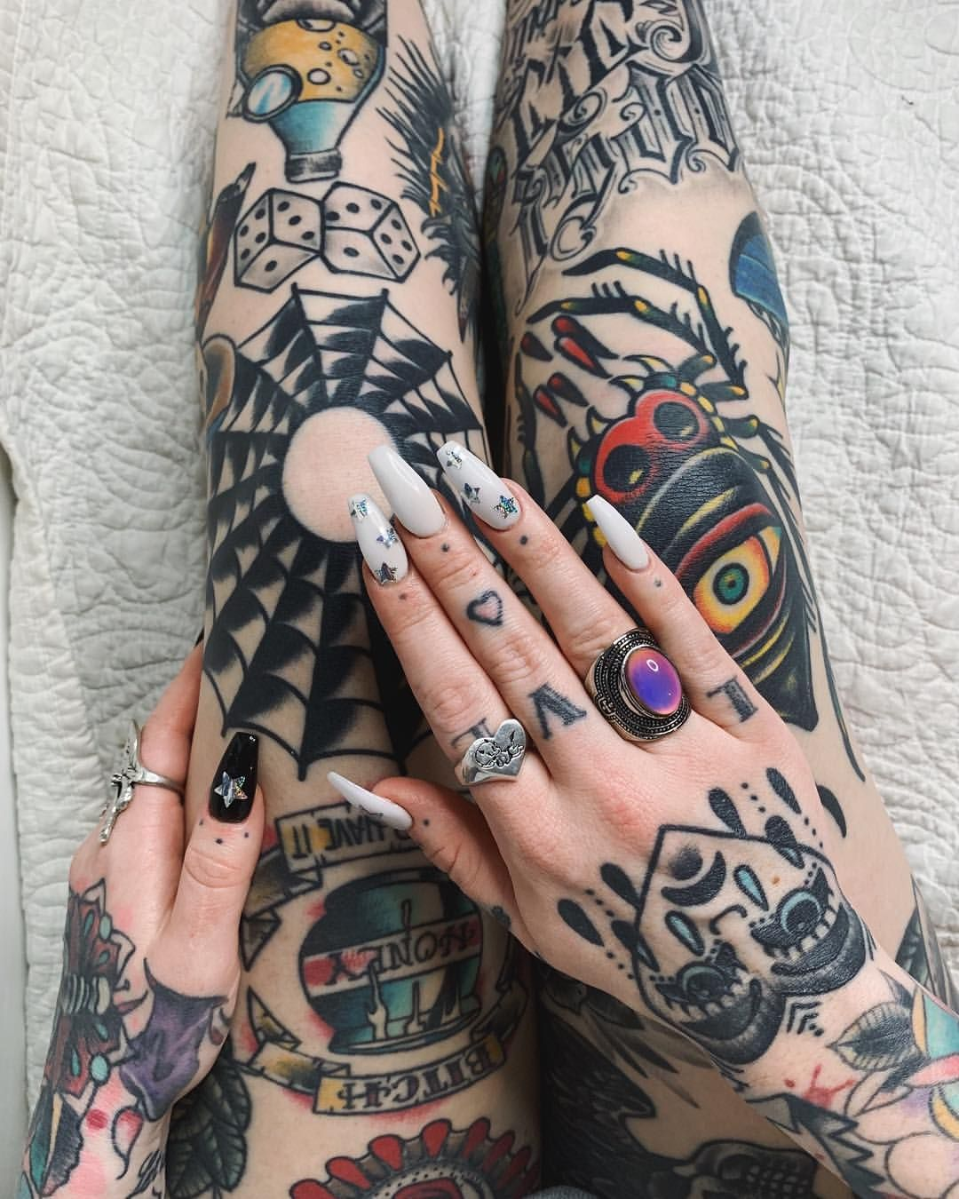 6 982 Curtidas 54 Comentarios Cristen Anguish Cristen Anguish No Instagram I Took This Picture With My Nose Traditional Tattoo Hand Tattoos Tattoos