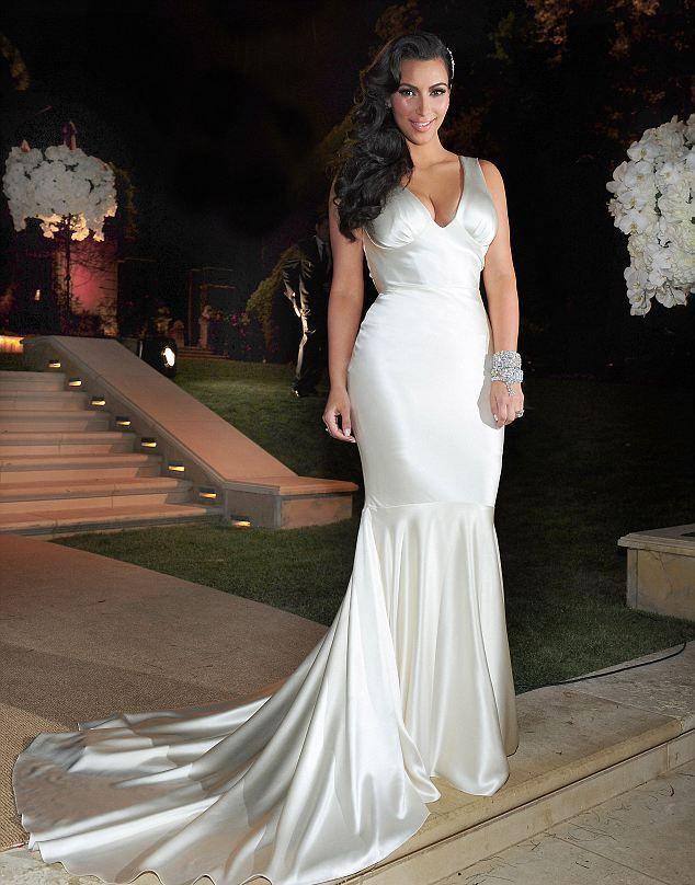 Megvictor Kim Kardashian S Wedding Photos Kim Kardashian Wedding Dress Celebrity Dresses Vera Wang Wedding Gowns