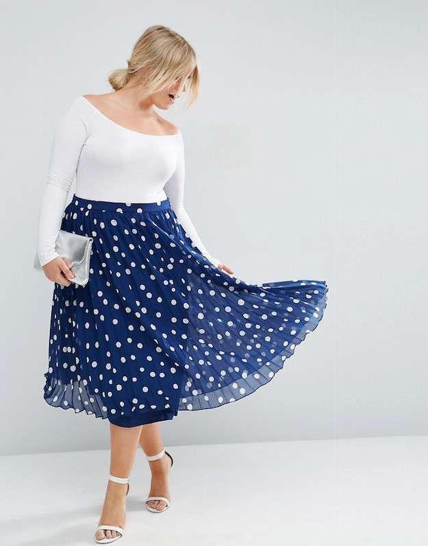 Resultado De Imagen Para Outfit Con Falda Azul Marino Faldas De Lunares Vestidos De Lunares Vestidos Azules