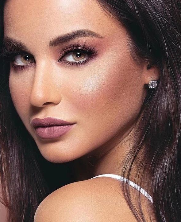 30 Wonderful Prom Makeup Ideas For you Summell Blog #style #shopping #styles #outfit #pretty #girl #girls #beauty #beautiful #me #cute #stylish #photooftheday #swag #dress #shoes #diy #design #fashion #Makeup