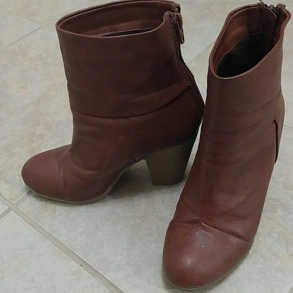 Leather Brown Boots size 6 In great condition. 3 inches of heels. Good quality boots SO Shoes Ankle Boots & Booties