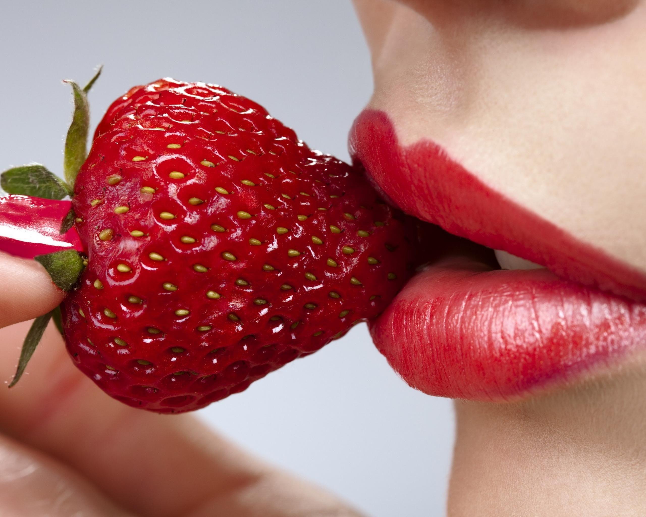 Https Www Facebook Com Lonyacosmetics Fref Ts Strawberry Anti