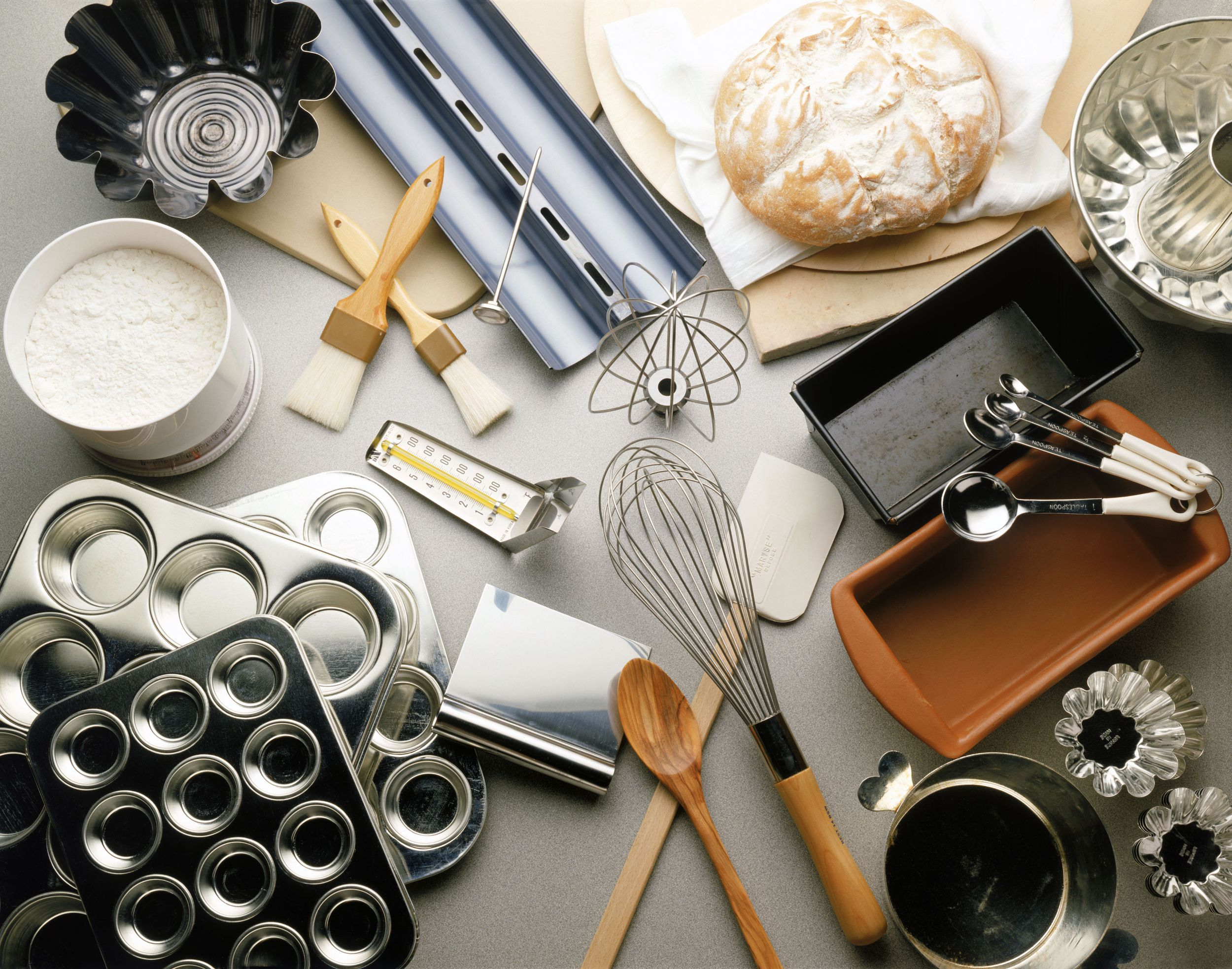 If you want to start making baked goods at home, it's important to get the  right pastry tools. Here are 18 essentials to… | Baking gadgets, Baking  tools, Chef tools