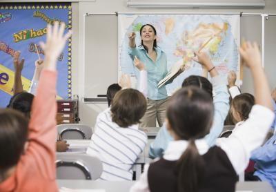Wie hoch ist das Gehalt eines Lehrers in Deutschland? | eHow Deutschland #absolventen #gehalt #lohn