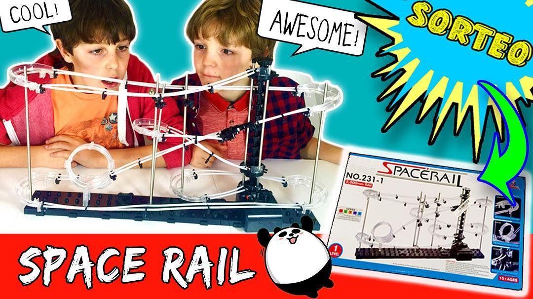 """Hoy los #thecrazyhaacks montan un juguete chulísimo que nos envió @banggood se llama """"SPACE RAIL"""" nosotros no lo conocíamos pero nos ha encantado. Era MUY difícil así que @bossatronio_hugo y @mateo_the_boss_374 necesitaron un poco de ayuda de Papi Haack jeje. ATENCIÓN al final del vídeo tenemos nuevo SORTEO! Un SPACE RAIL igual al nuestro!!! Tenéis toda la info en el nuestra web en el apartado YOUTUBE->SORTEOS y en el inicio del vídeo. Podéis verlo YA en nuestro canal de #YouTube…"""