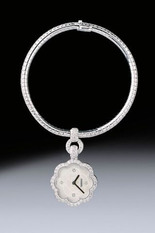 CHANEL Camelia Watch I LOVE CHANEL Pinterest Chanel jewelry