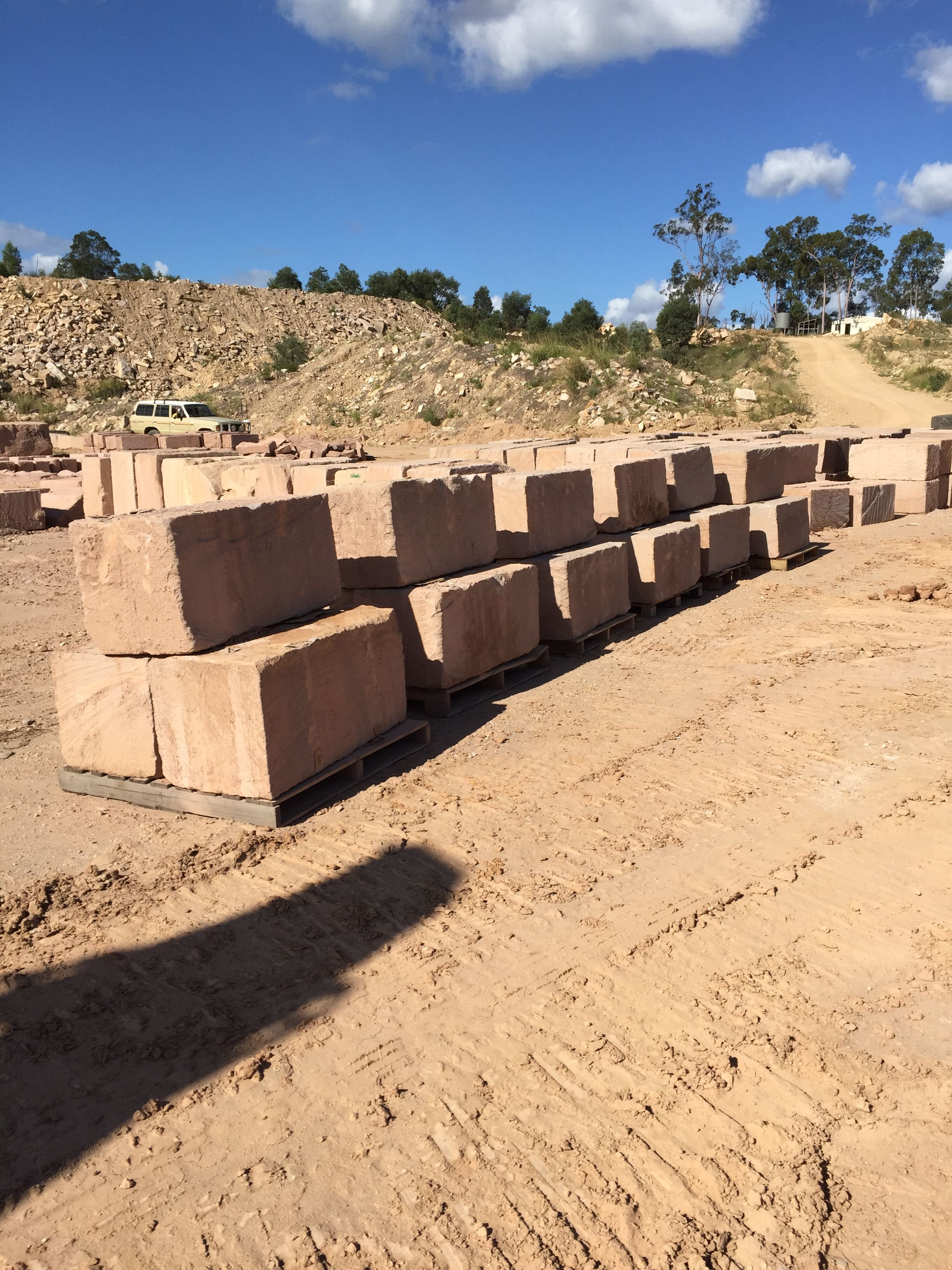Australian sandstone quarry. Australian sandstone blocks. Australian ...