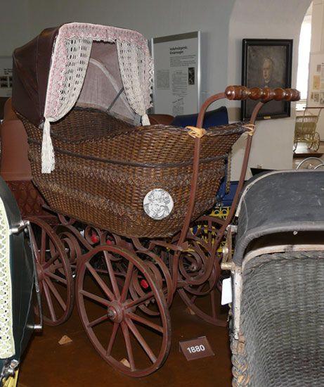 kinderwagensammlung schloss moritzburg zeitz antique vintage carriages prams strollers. Black Bedroom Furniture Sets. Home Design Ideas