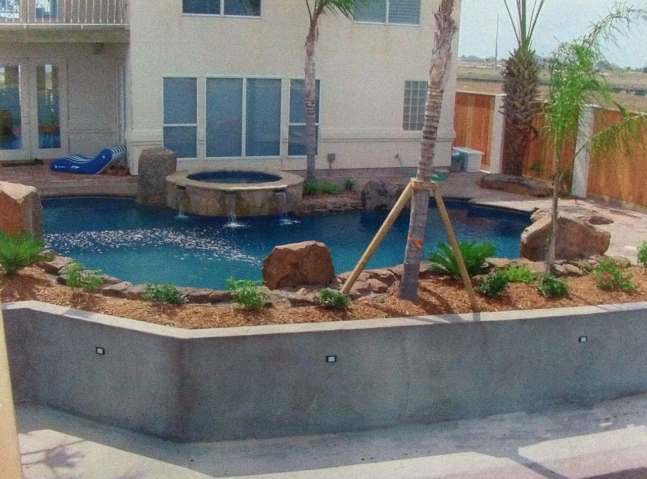 Swimming Pool Retainer Wall Swimming Pool Retaining Wall Cool Stuff Pinterest Pool