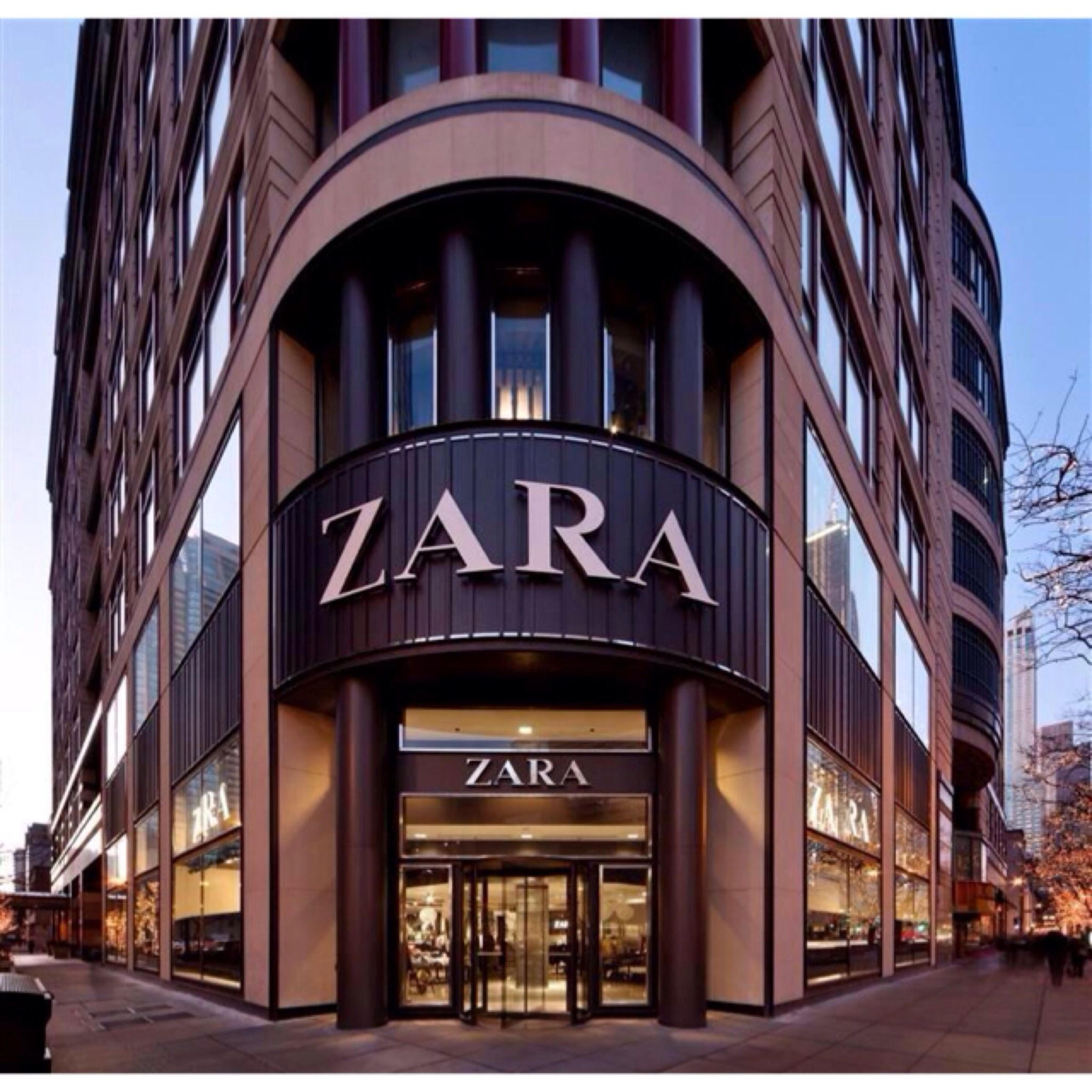 Zara is right on top of my list of favourites. I was really excited when they opened in Durban. The high street brand stocks contemporary items and there's ...