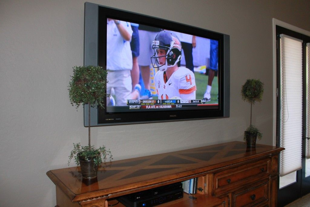 Diy How To Hide Wires For A Flatscreen For The Home