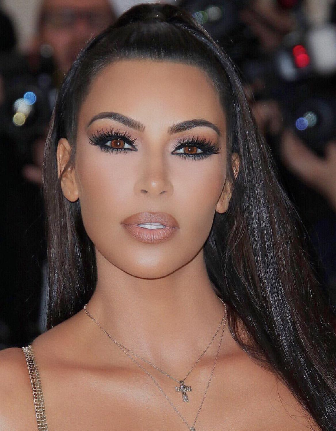 Kim kardashians makeup look at the Met Gala 2018 metgala kimkardashian  metgala2018