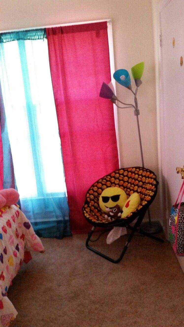Emoji Saucer With Emoji Pillows Emoji Room Girls Room Design Girls Room Decor