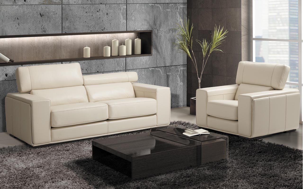 Sectional Maggy - Contemporary Style - Platinum Collection with adjustable headrest.