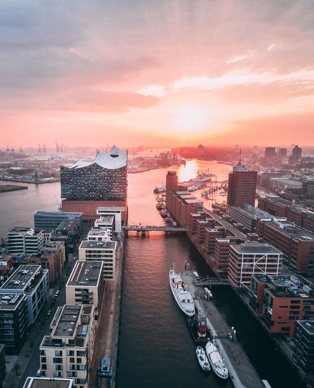 Bild Konnte Enthalten Himmel Wolken Brucke Im Freien Und Wasser Geheimtipp Hamburg Hamburg Bilder