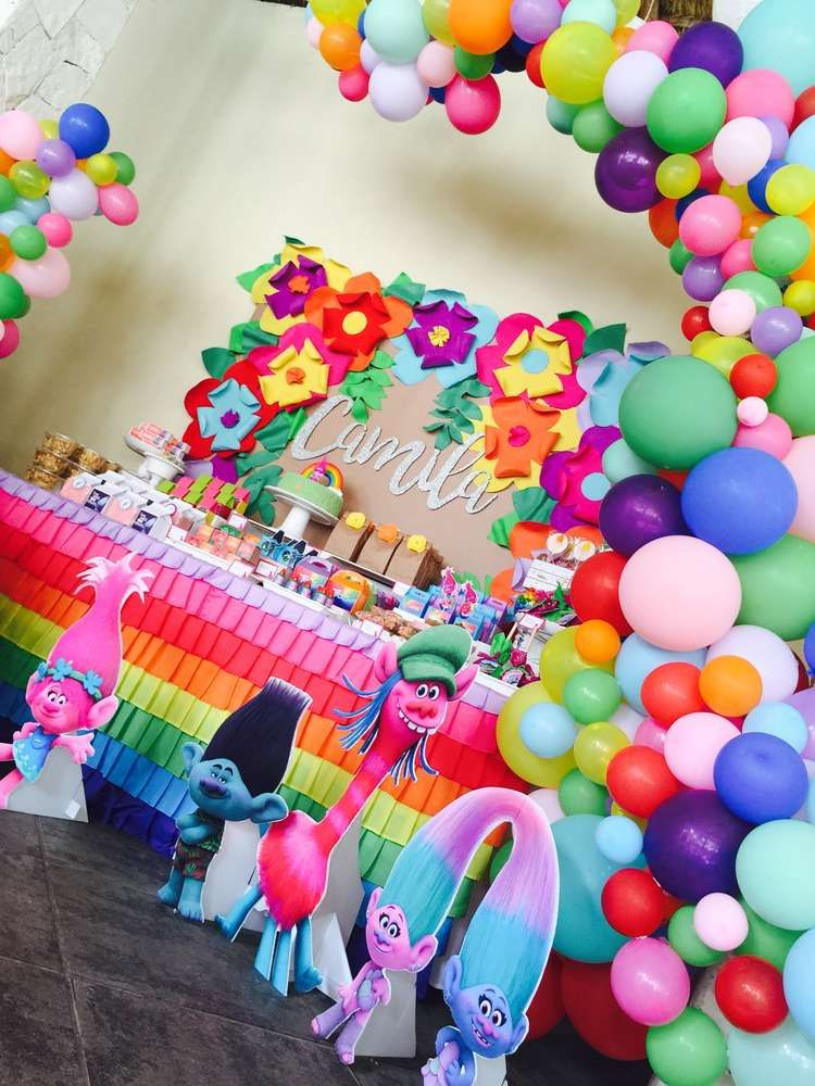 Take A Look At This Incredible Trolls Party Birthday The Balloon Decor Is Amazing See More Ideas And Share Yours CatchMyParty