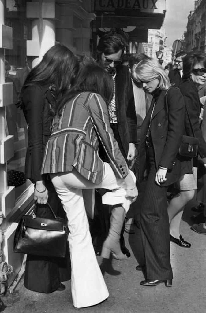 Le Fashion Blog 1970s 70s Street Style Vintage Photos Pant ...