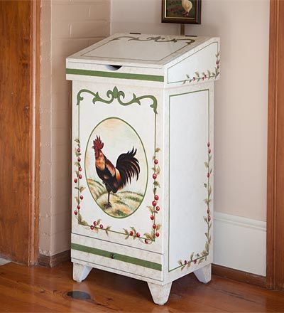 Handpainted Rooster Trash Bin Charm Of The Farm